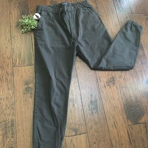 American Eagle Outfitters Extreme Flex Joggers (M)